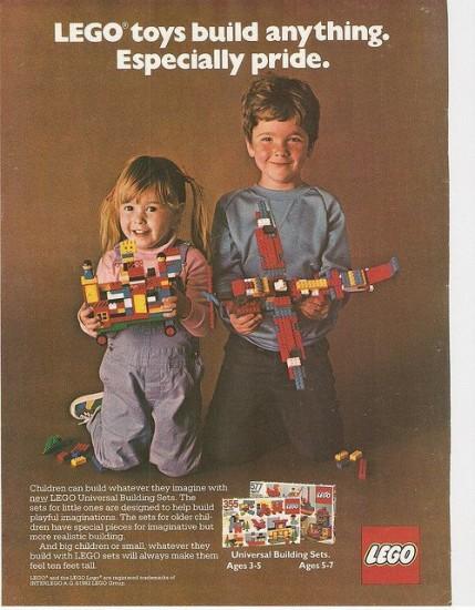 Lego-boy.girl_-429x550